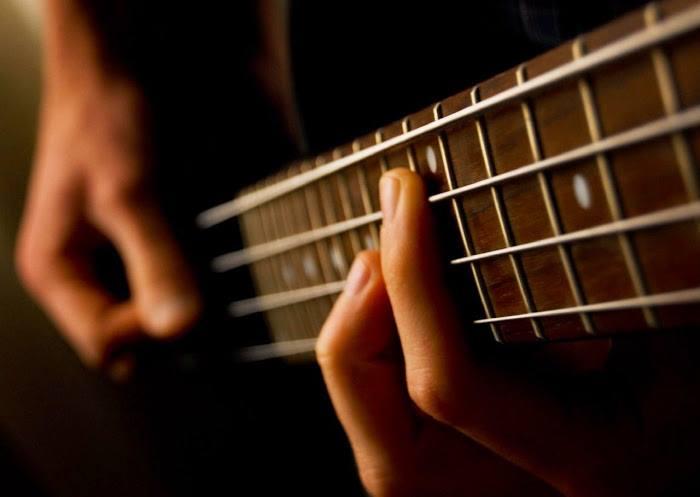 stranice za upoznavanje gitarista najbolji način za spajanje 4 monitora